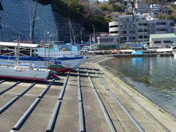 神奈川県・真鶴漁港の漁船置き場