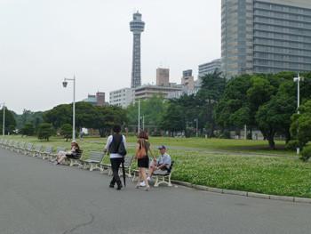 横浜・山下公園とマリンタワー
