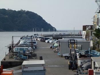 藤沢市・片瀬漁港