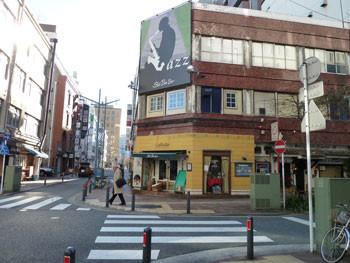 横浜・ジャズライブレストランBarBarBar