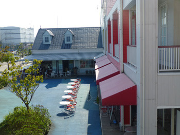横浜・三井アウトレットパークのレストランSeaport Street
