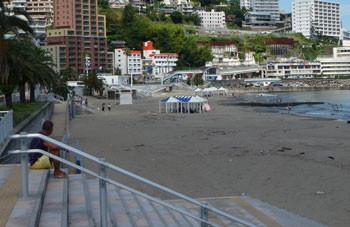 熱海・熱海サンビーチ(海水浴場)