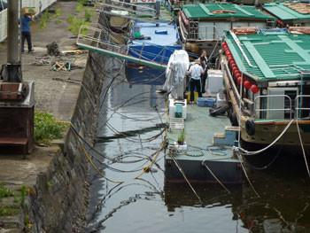 横浜・準備中の屋形船