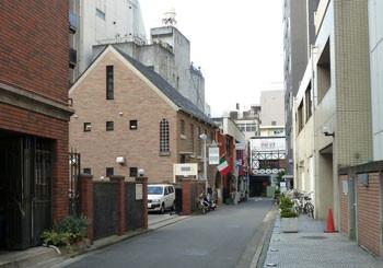 横浜・馬車道の裏通り