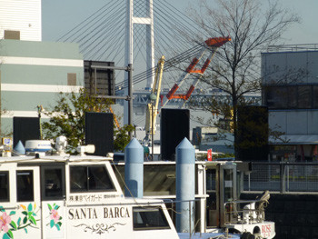 横浜・ゾウの鼻パークと横浜ベイブリッジ