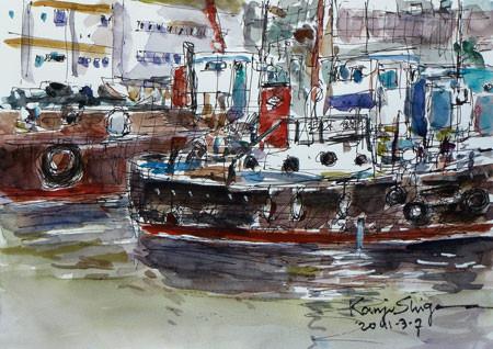神奈川県・真鶴漁港の工事船と浮き桟橋