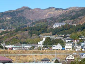 神奈川県・真鶴町から見える山々