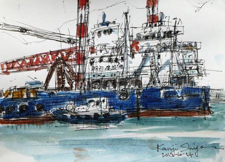 神奈川県・真鶴港に停泊中のクレーン船