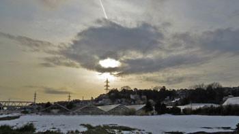 藤沢・雪の日の畑の夕景
