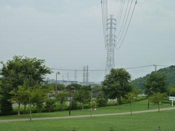 神奈川県藤沢市・引地川親水公園の高圧線鉄塔