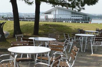 横浜・八景島シーパラダイスの公園と海上レストラン