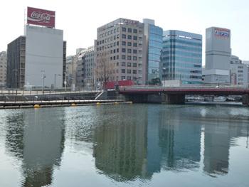 横浜市・弁天橋界わいのビル街