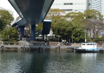 横浜市・歩道専用の住吉橋