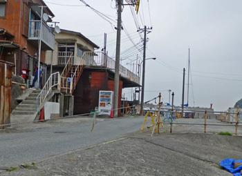 神奈川県・真鶴港の木造家屋