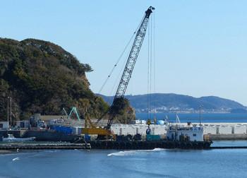 鎌倉・腰越漁港改修整備工事の全景