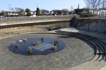 藤沢・引地川の辻堂親水広場