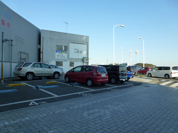 藤沢市・片瀬海岸の駐車場