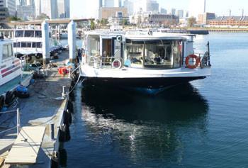 横浜・ゾウの鼻パークの遊覧船