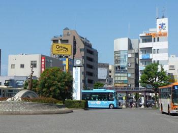 神奈川県・茅ヶ崎駅前の時計台