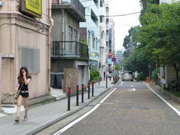 横浜・元町の川岸通り