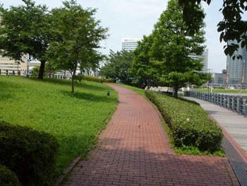 横浜・みなとみらいの運河パーク