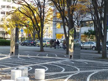 横浜市・開港広場とシルクセンター