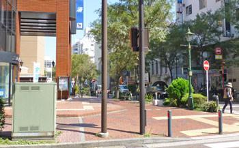 横浜・馬車道の商店街