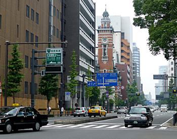 横浜・みなと大通の横浜市開港記念会館