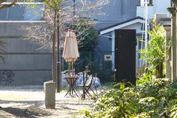横浜・開港広場のレストコーナー
