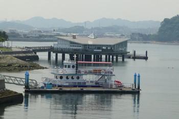 横浜・八景島シーパラダイスの海上レストランと遊覧船