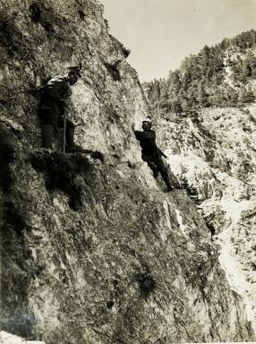 """59. Gebirgsbrigade - Kletterschule im Bartolograben. X. Armeekommando """" Rohr """". 1917 - Österreichische Nationalbibliothek"""