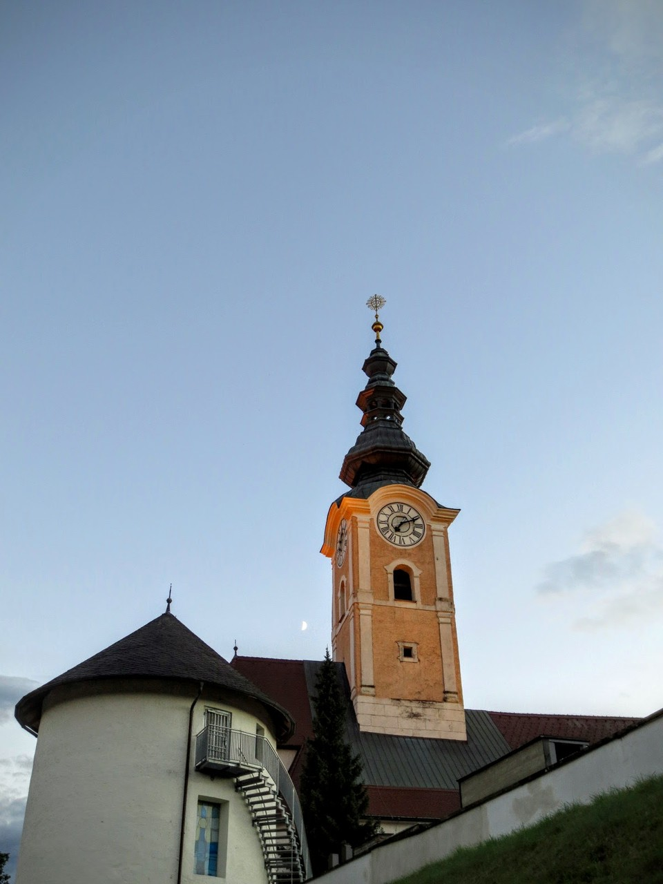 Rechtzeitig zu Sonnenungergang wieder zurück in Feldkirchen - Pfarrkirche Feldkirchen (Kärnten)
