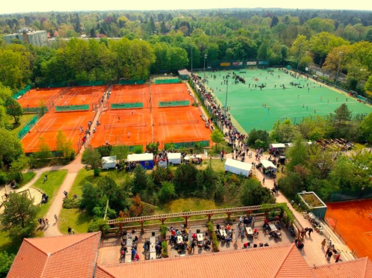 Sonderregeln für das Tennisspielen auf der Anlage der Zehlendorfer Wespen ab April 2021