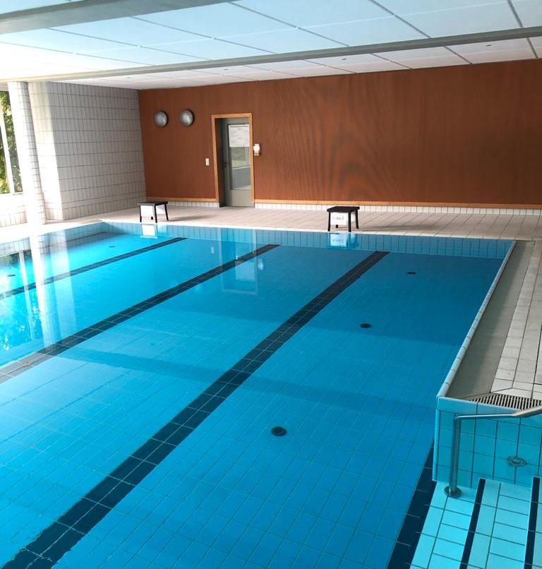 Grundreinigung des Schwimmbad- und des Saunabereichs
