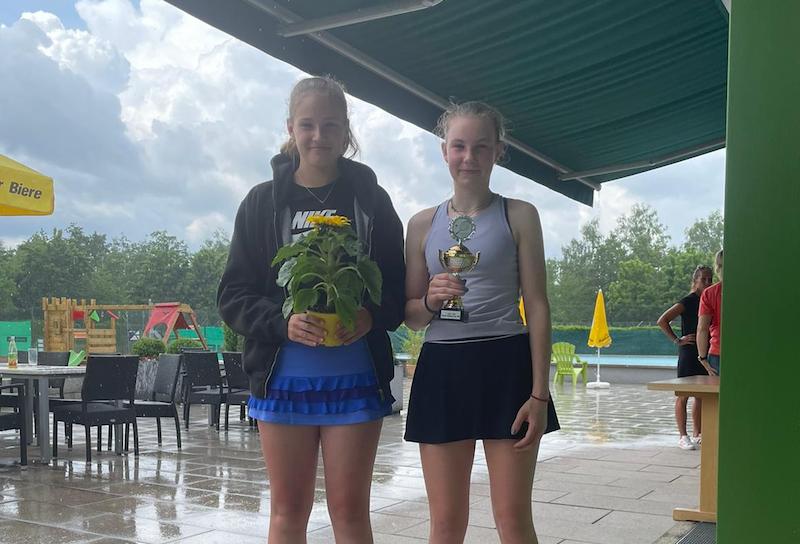 Zora und Malina erfolgreich auf Turnierfahrt in Bayern