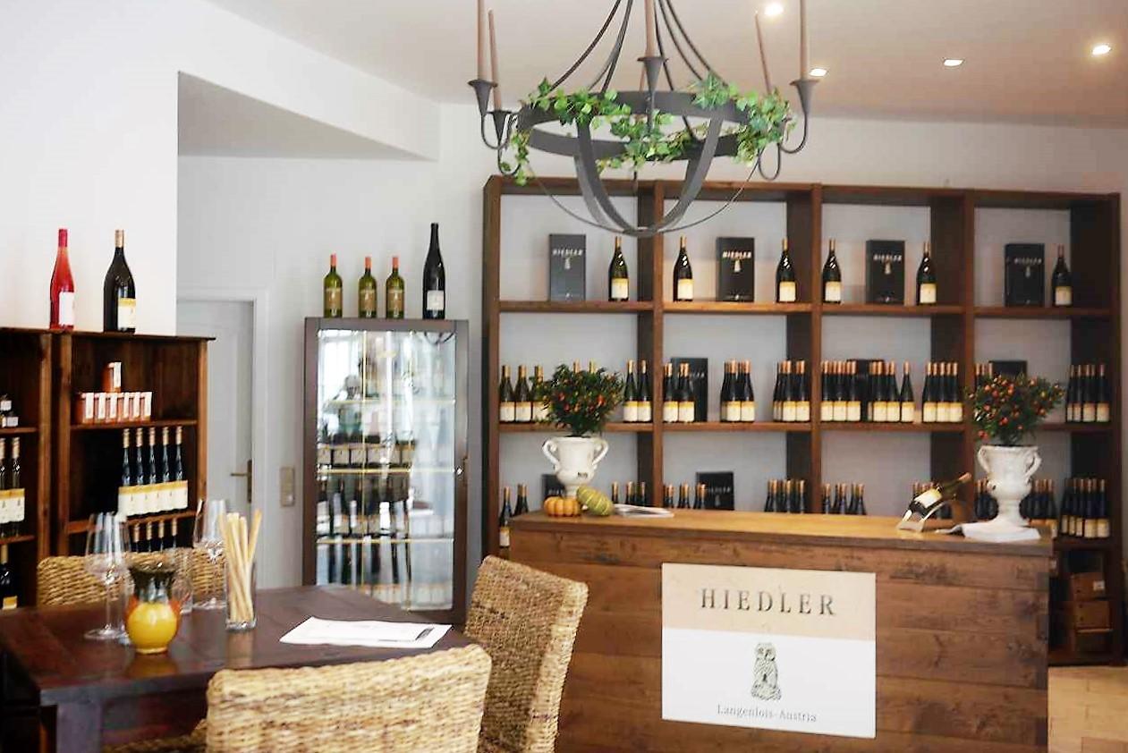 1階のセラー・ドア。一般客はここで試飲をしてワインを買います。