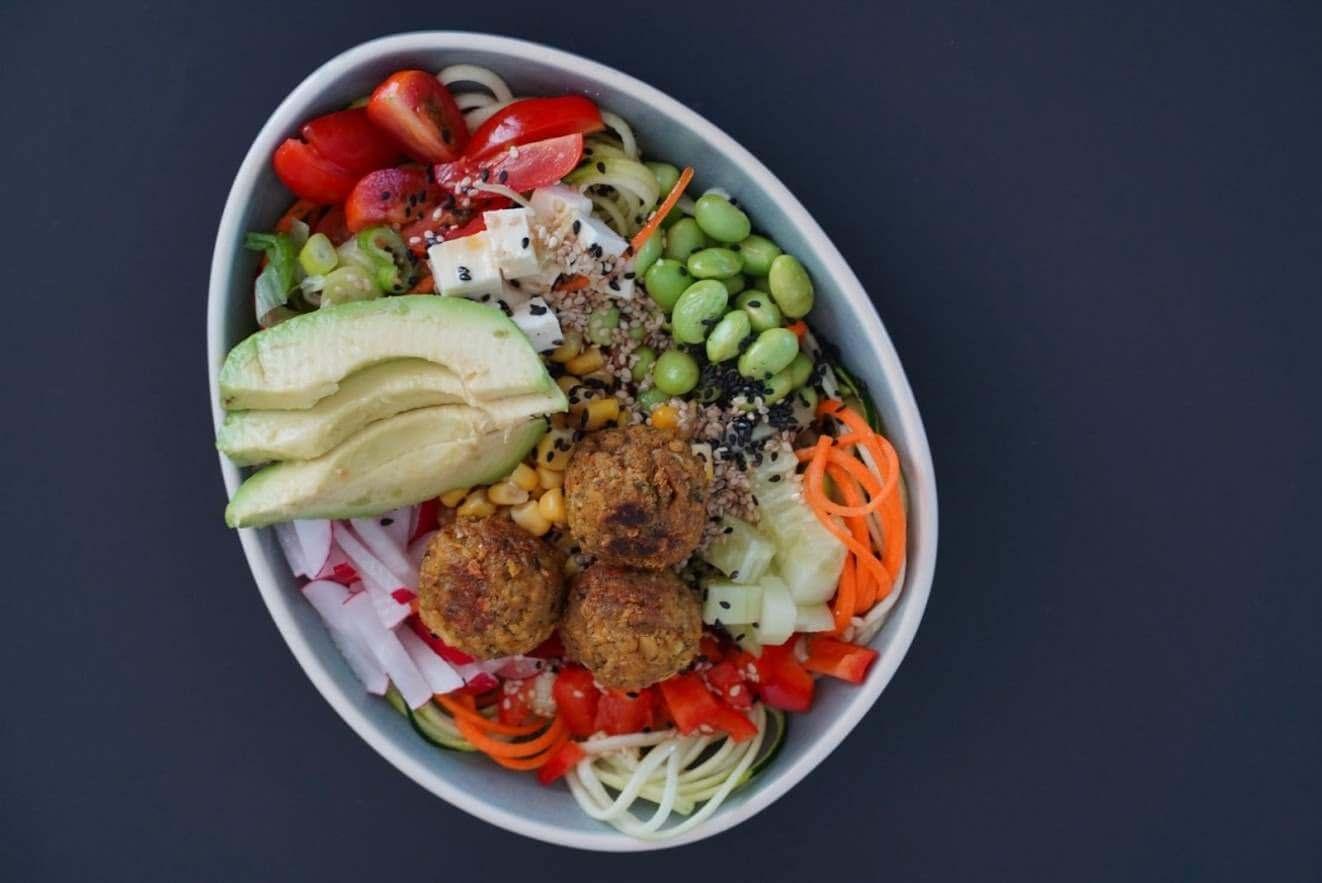 Bunte Falafel Bowl | clean & proteinreich