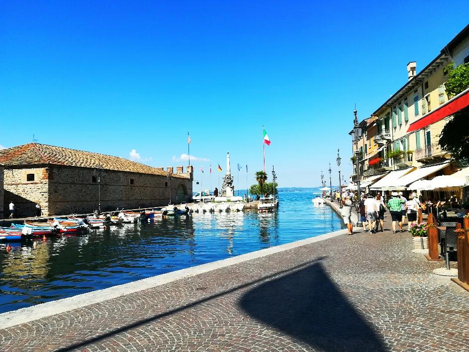 Der Hafen von Lazise
