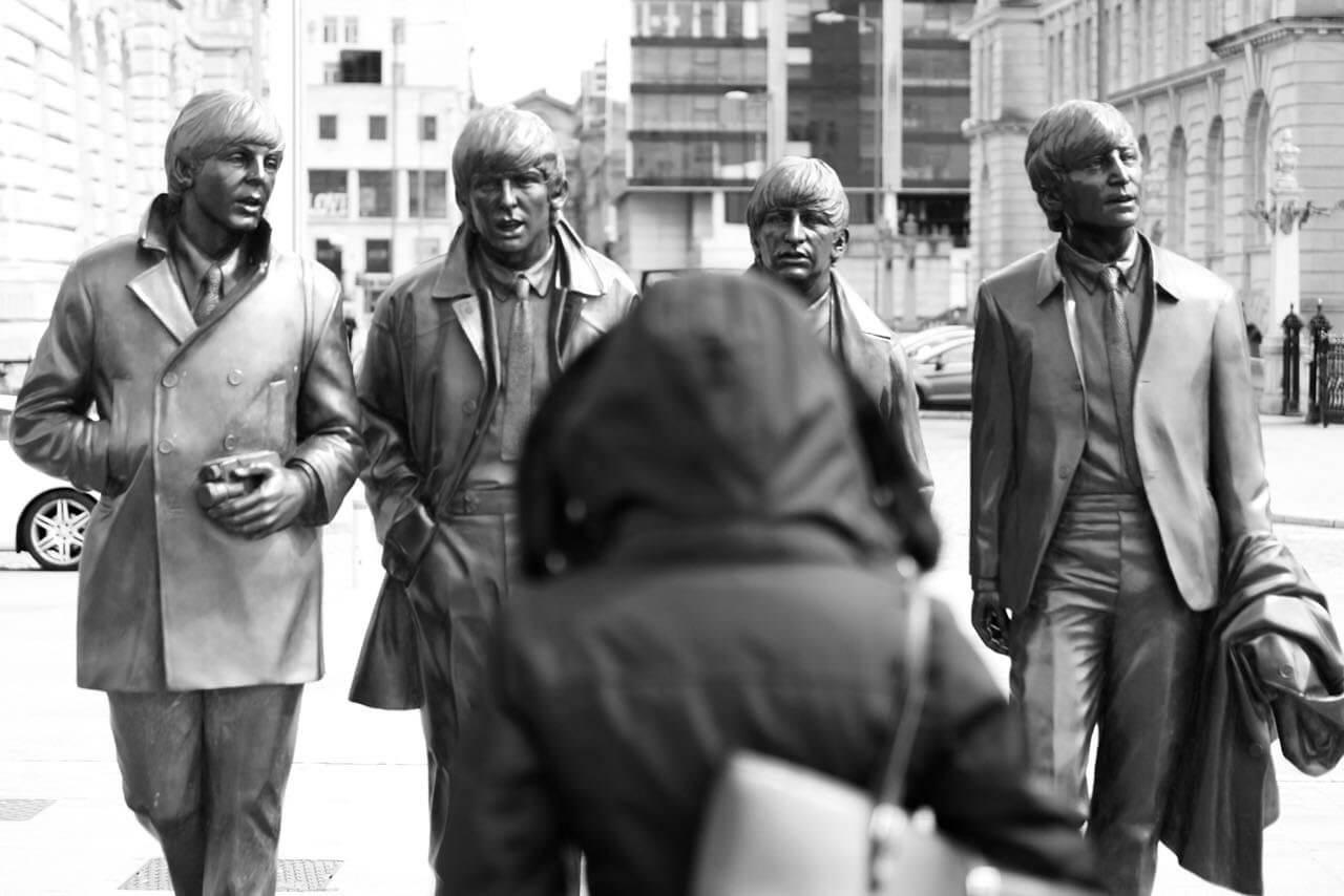 Statue Beatles am Hafen Liverpool