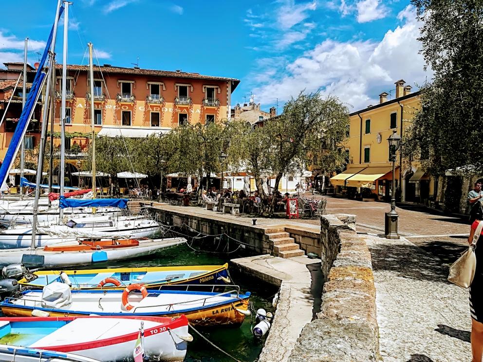 Der Hafen von Torri