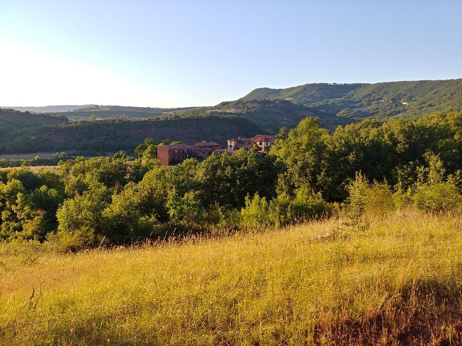 Vista de la antigua granja donde tuvo lugar el retiro