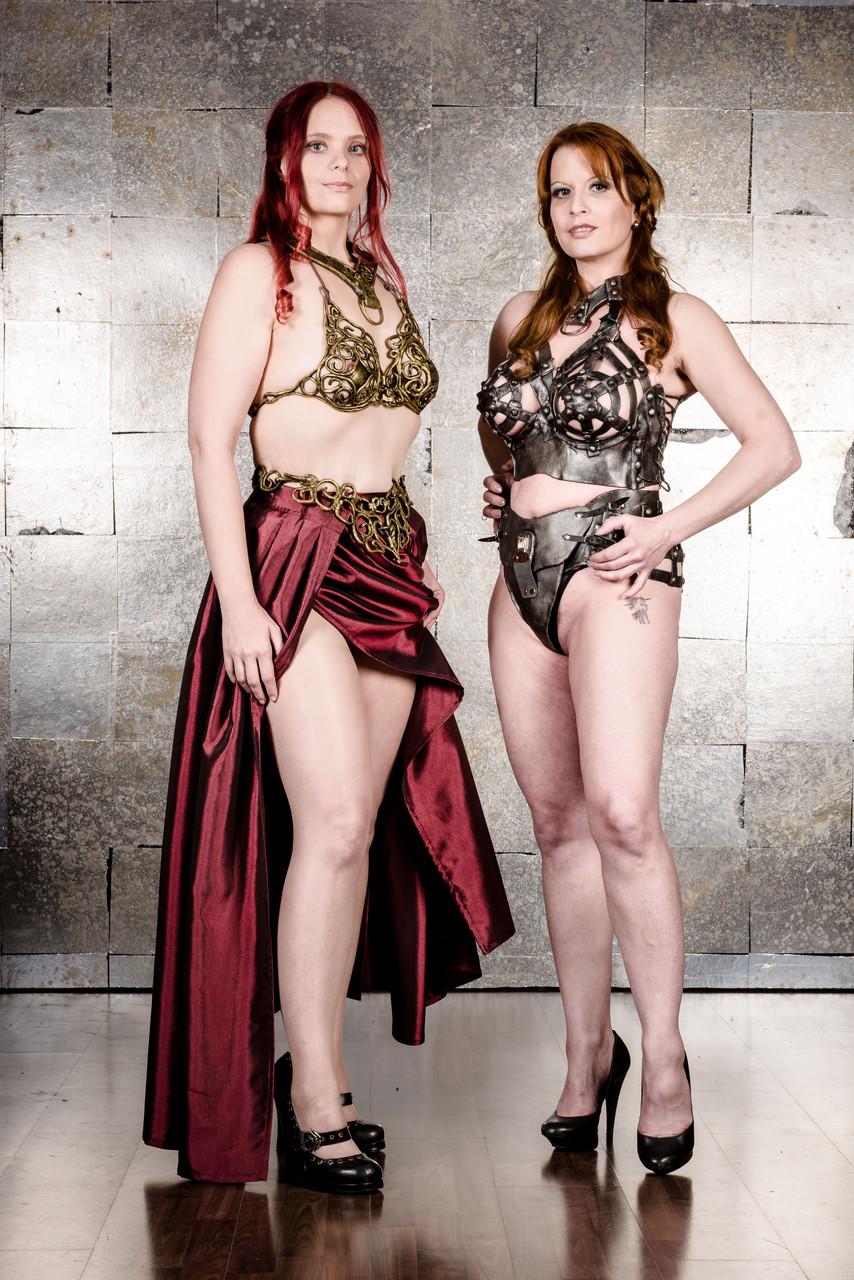 Models: Nica & Stygian Sin Foto: Fotomagic