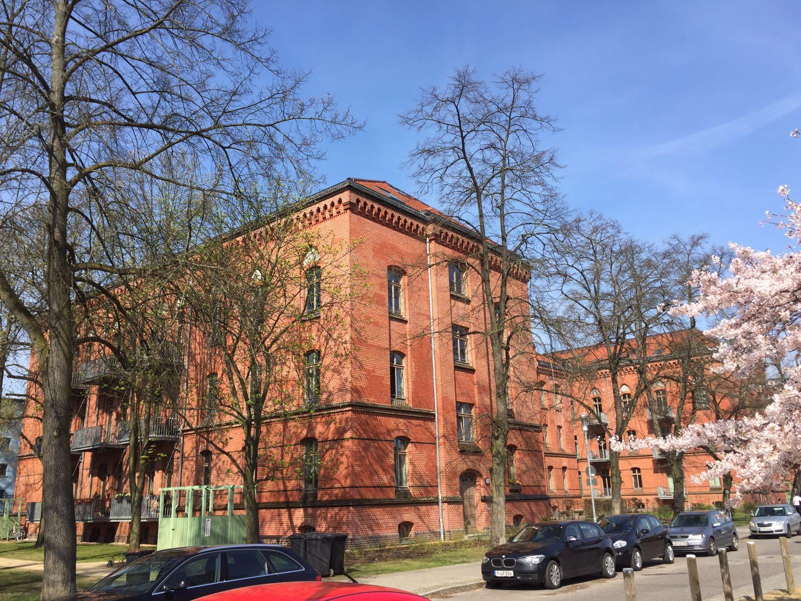 Rote Kasernen in Potsdam (Palais Klingelhöffer®) Palastartiger Klinkerbau im Stil der Neugotik! Hier entstehen Suiten und Penthouses!