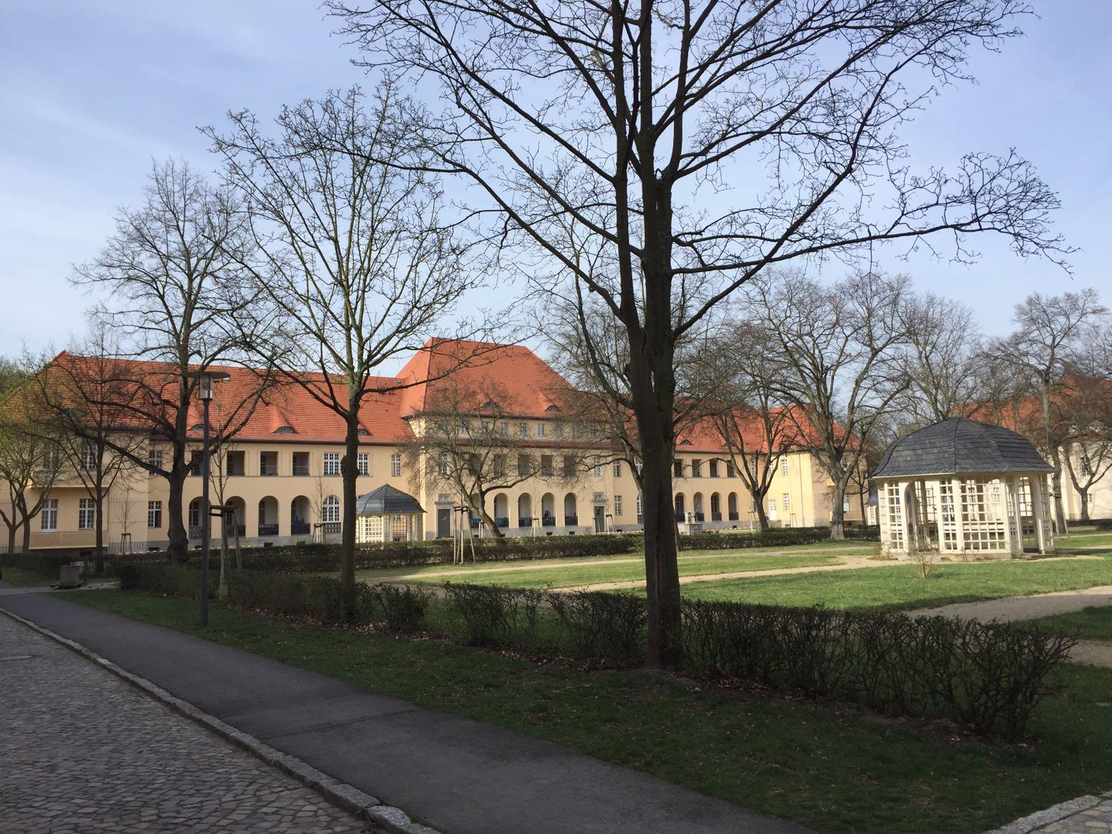 Ludwig-HOFFMANN-Quartier in BERLIN-Bruch. Hier entstehen 27 Wohneinheiten von 33-50 qm Wohnfläche ! (Denkmalsanierung)