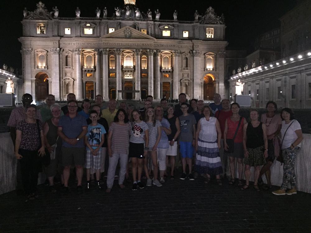 Nachts am Petersdom