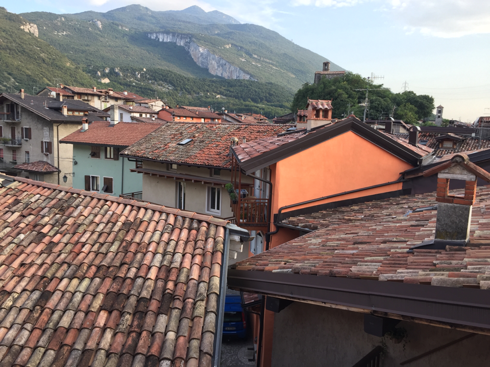Blick aus dem Hotel in Nago am Gardasee