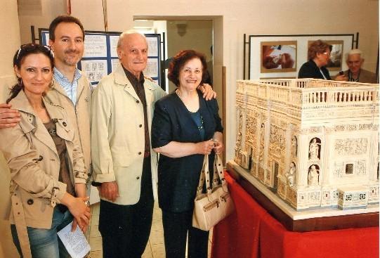 Edgardo con la moglie, Maria,  e due dei suoi figli: Alessandro ed Emanuela, sua collaboratrice