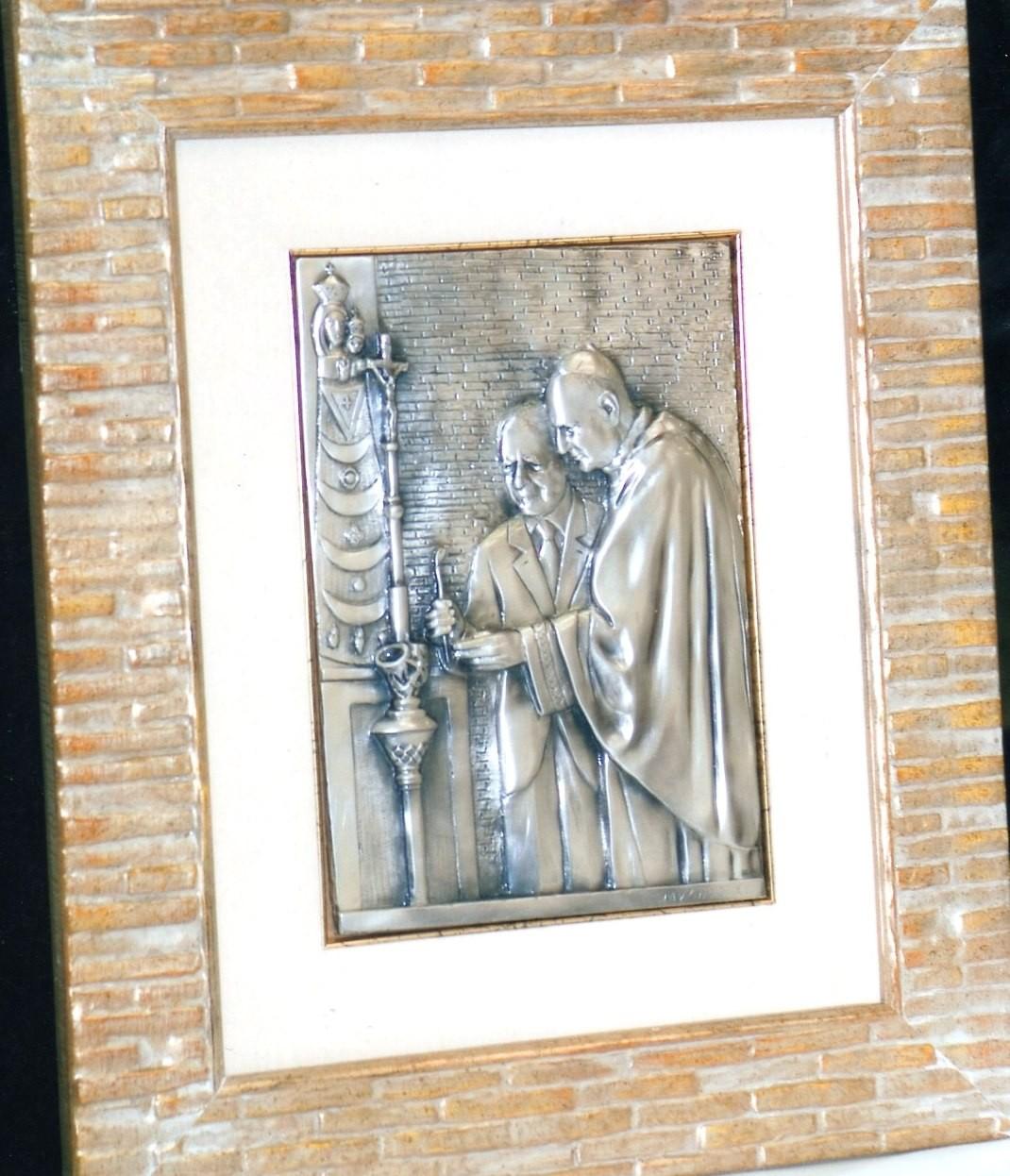 Il presidente Ciampi e mons. Comastri a Loreto, argento