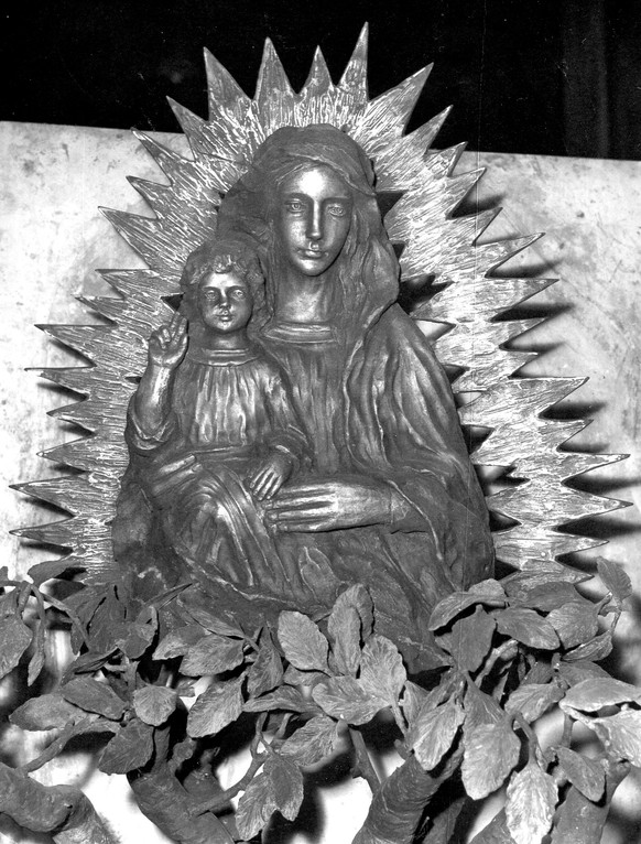 Madonna dell'Ambro, bronzo, 1982