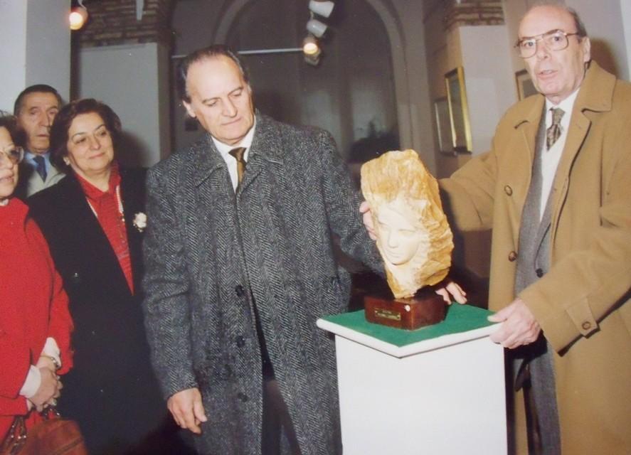 Inaugurazione della mostra: Edgardo con l'amico Augusto Castellani, già sindaco di Loreto e Presidente dell'Ente rassegna Cappelle Musicali di Loreto